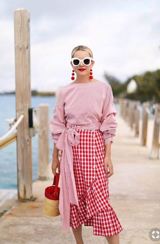 Look inspiração com a blusa manha bufante.