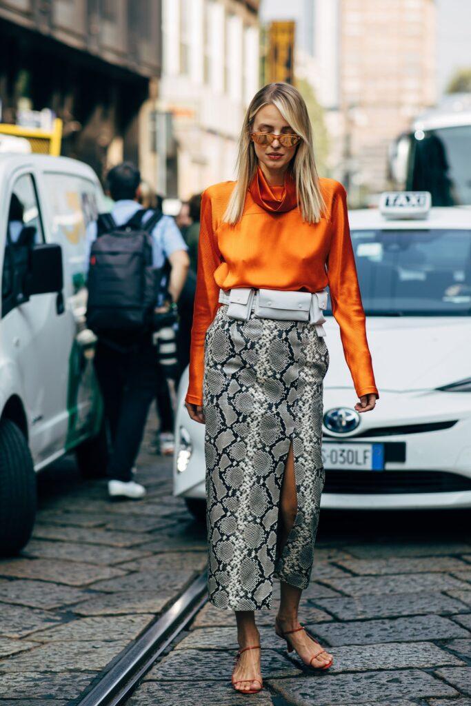 Look inspiração com blusas para jovens.